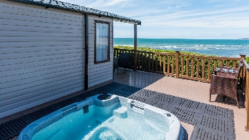 static caravans with hot tubs devon