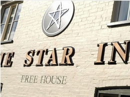 https://www.thestarinn1744.co.uk/ website